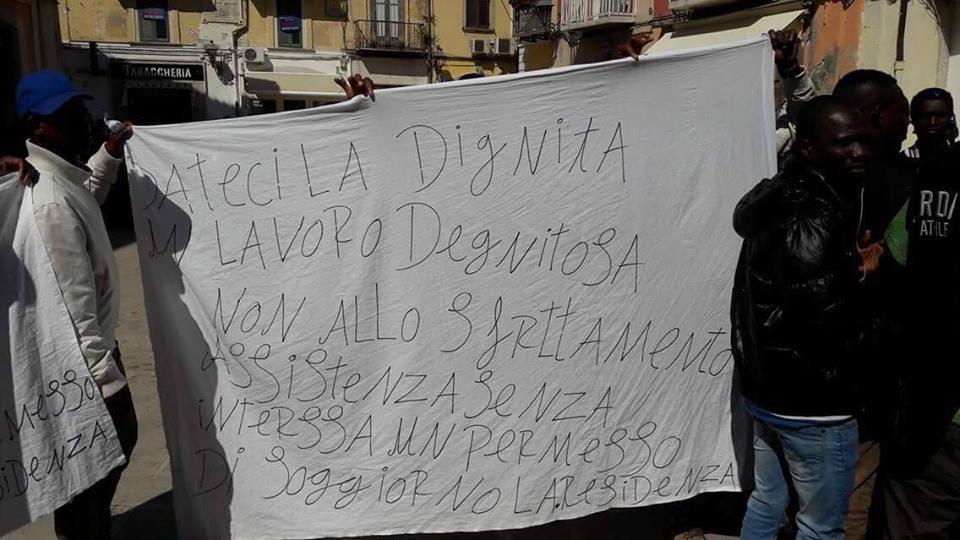 San severo proteste dei richiedenti asilo davanti palazzo - Progetto casa san severo ...