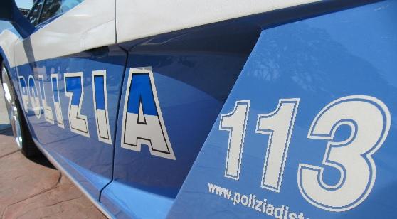 FOTO AUTO POLIZIA-113