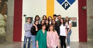 Gli studenti del progetto Erasmus + del Liceo Poerio di Foggia con le professoresse Monica Trifiletti ed Enza Bortone (1)