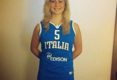 Pallacanestro - Ilaria Nardelli con maglia nazionale
