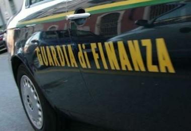 guardia-di-finanza-auto_full1