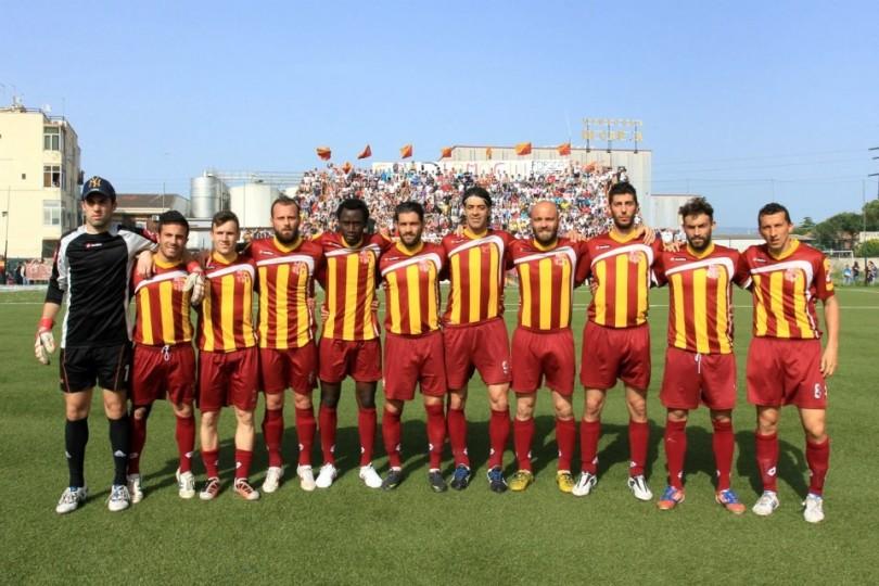 Calcio ogni santa domenica presentata la campagna abbonamenti dell usd san severo per il - Alto tavoliere san severo calcio ...