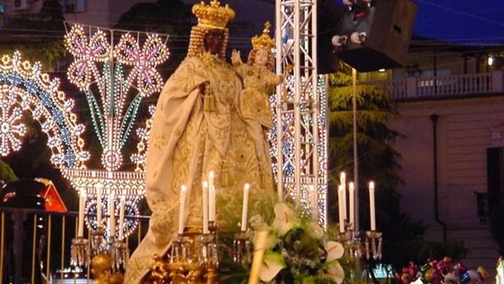 Photo of Incomincerà domani l'allestimento delle luminarie Festa Patronale