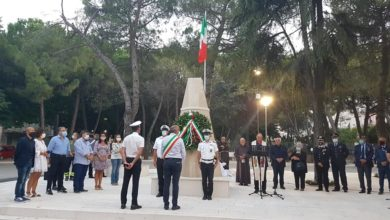 """Photo of Vico, piazza e monumento ai """"caduti della pace"""""""