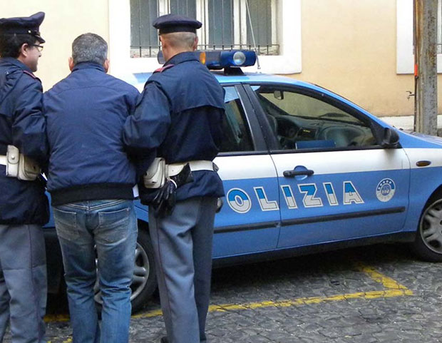 Photo of Foggia: Picchiava e umiliava l'ex moglie – arrestato