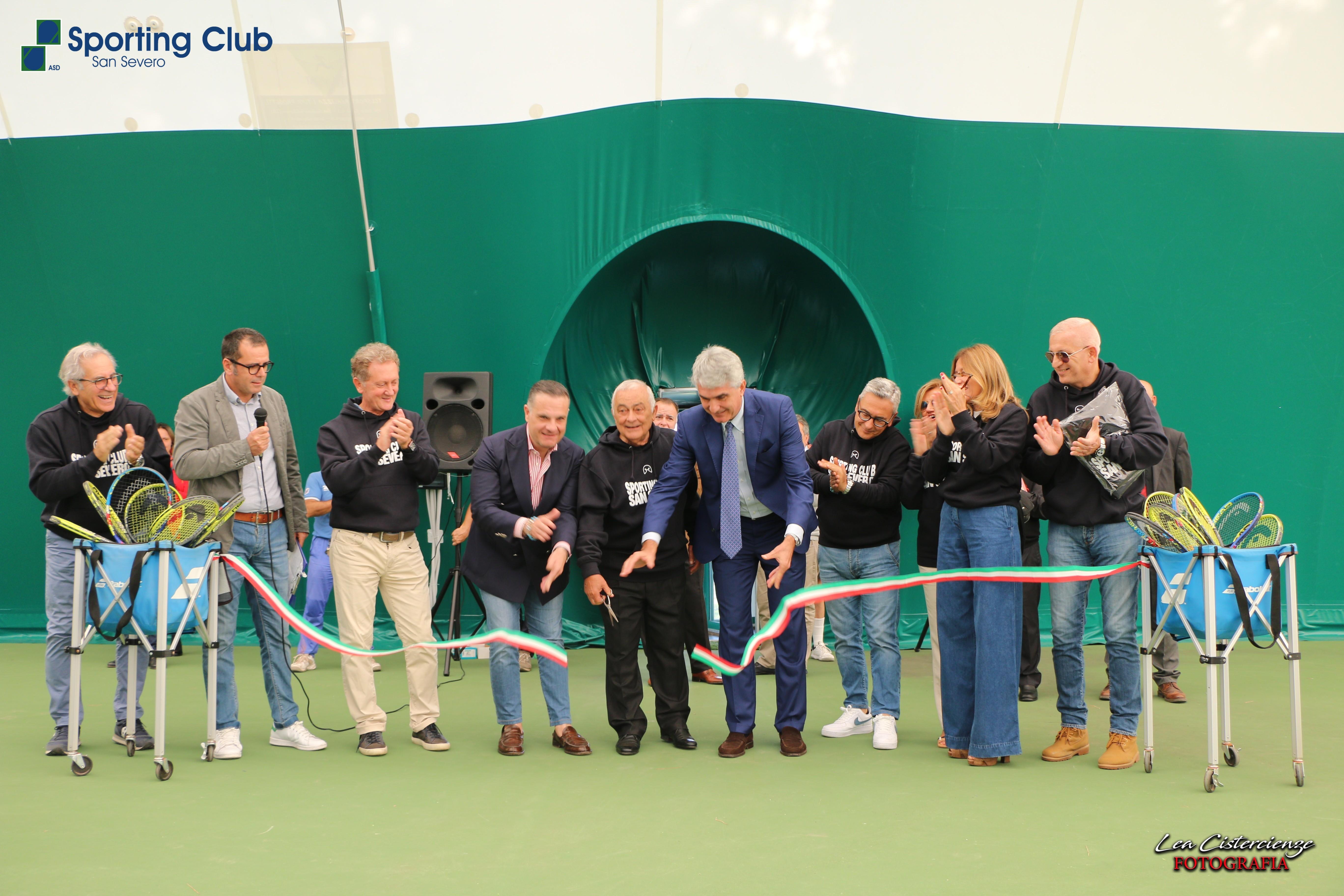 Photo of TENNIS – INNAUGURATA LA COPERTURA PRESSOSTATICA DEI CAMPI DELLO SPORTING CLUB SAN SEVERO